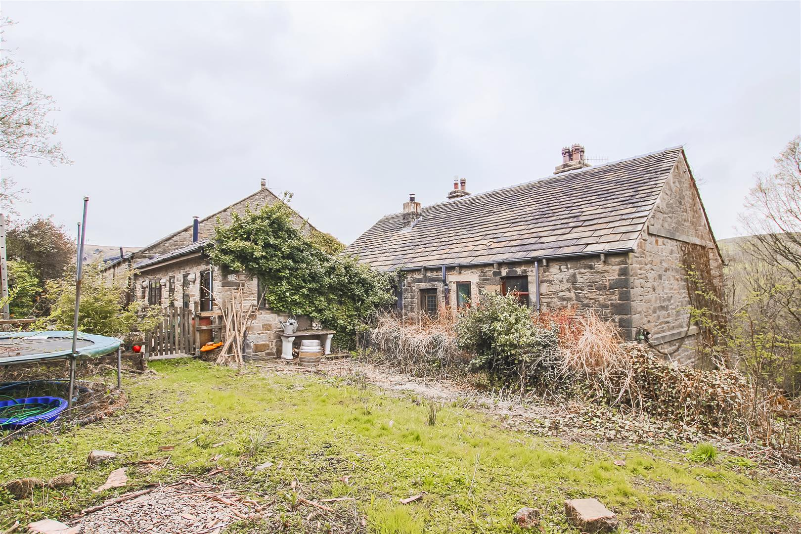 5 Bedroom Farmhouse For Sale - Image 69